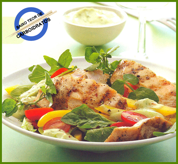 Salada de Frango ao Molho de Abacate